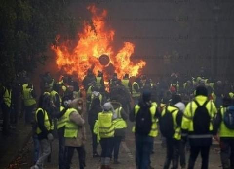 عاجل  الهدوء يعود لباريس باستثناء ساحة الجمهورية