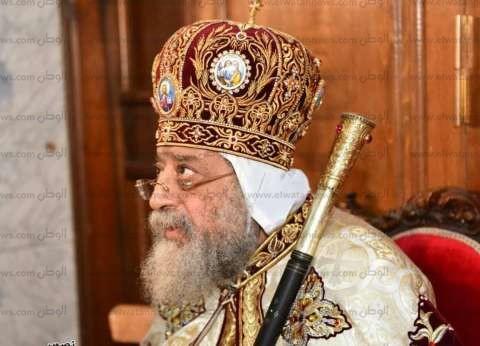 رئيس الكنيسة الأسقفية يعزي البابا في رئيس دير أبومقار