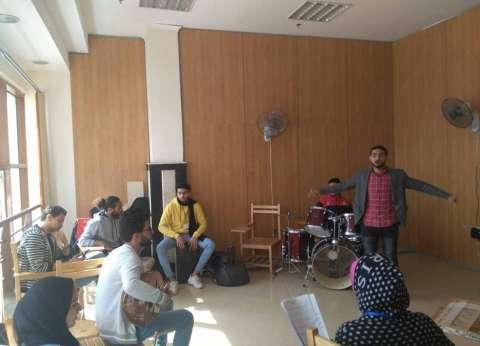منتخب جامعة الزقازيق للموسيقى والكورال يستعد للمنافسة غدا بكفر الشيخ