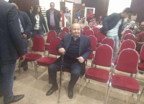 """وحيد حامد يصل إلى ندوة تكريمه في """"معرض الكتاب"""""""