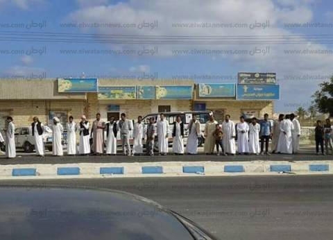 """طوابير من الناخبين في """"القصر"""" بمطروح للإدلاء بأصواتهم"""