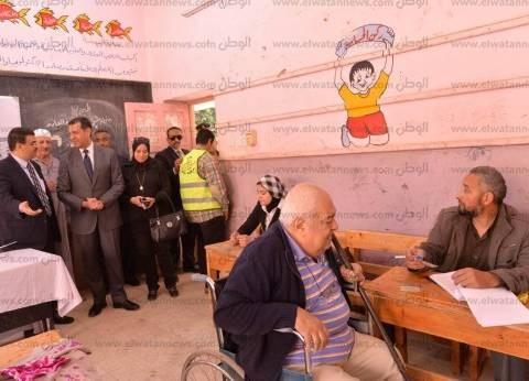محافظ أسيوط يتفقد اللجان الانتخابية ويحث المواطنين على المشاركة