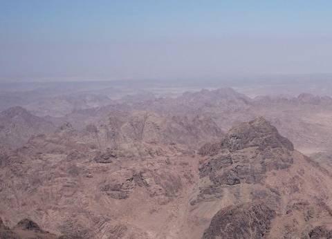 محافظ شمال سيناء يُشكل غرفة عمليات لمتابعة حادث سقوط طائرة روسية
