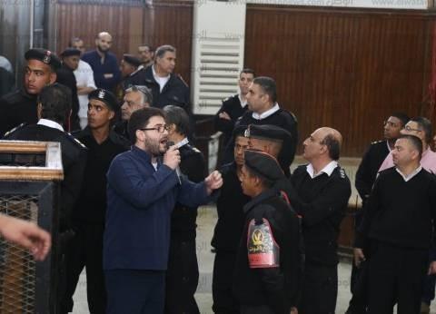 """نجل المعزول يطلب مقابلة أسرته.. وقاضي """"اعتصام رابعة"""" يوافق"""