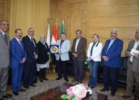 رئيس جامعة بنها يستقبل الملحق الثقافي العماني بالقاهرة
