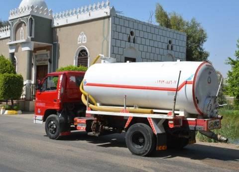 محافظ سوهاج يحيل سائق للنيابة لتفريغه مياه الصرف الصحي بالشارع
