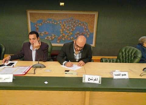 «فرنسيس» يستعين بحملة «قريب مننا» في انتخابات الصحفيين