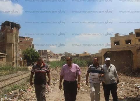 بالصور| رئيس مدينة دسوق يتابع إصلاح خطوط الصرف الصحي
