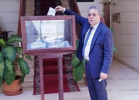 سفير مصر بالكويت: المصريون يتوافدون بشكل كبير للمشاركة في الاستفتاء