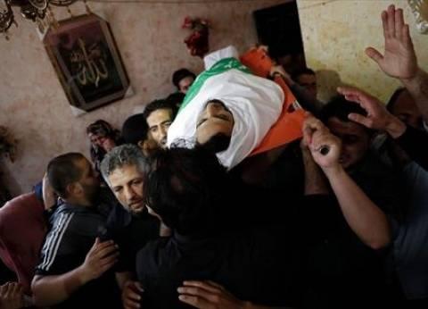 """فلسطينيون يشيعون شهيد """"جمعة حرق العلم الإسرائيلي"""" في غزة"""