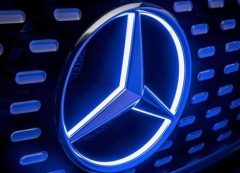 """""""تجار السيارات"""" عن """"عودة مرسيدس"""": شهادة نجاح سياسة السيسي الاقتصادية"""