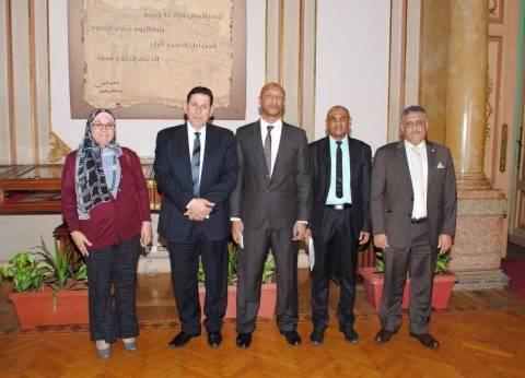 نائب رئيس جامعة عين شمس يستقبل المستشار الثقافي بسفارة جزر القمر