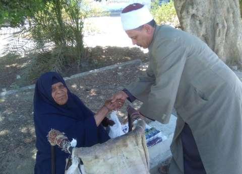 """""""أوقاف السويس"""" توزع 1000 شنطة رمضانية على الأسر الفقيرة"""