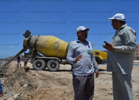 رئيس مدينة بلطيم يتابع أعمال تطوير الكورنيش بطول 2500 متر
