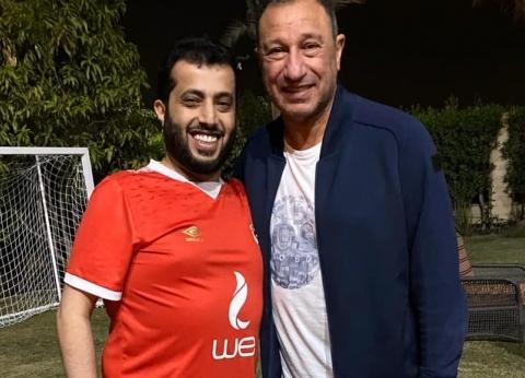 آل الشيخ يحتل صدارة تريندات جوجل بعد زيارته للخطيب بالفانلة الحمراء