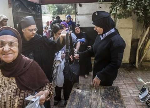 """ناخبون يهتفون """"تحيا مصر"""" في بعض لجان فايد بالإسماعيلية"""