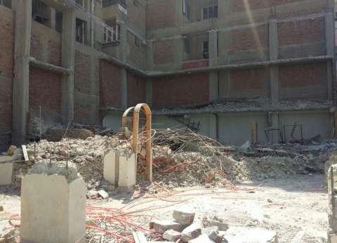 محافظ السويس يشدد على إزالة الأبراج السكنية المخالفة