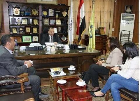 رئيس جامعة بني سويف يلتقي وفد من الهيئة الإنجيلية