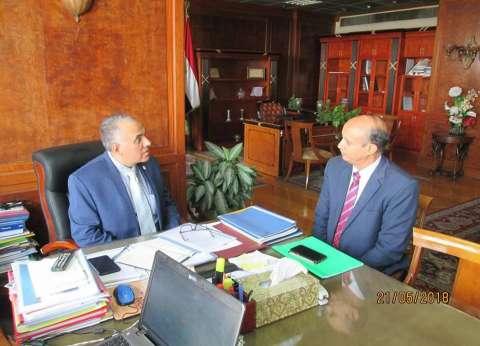 وزير الري يستعرض أعمال حماية الشواطئ وتطوير الساحل الشمالي