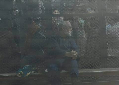"""بدء جلسة محاكمة """"بديع"""" و738 آخرين في """"فض اعتصام رابعة"""""""