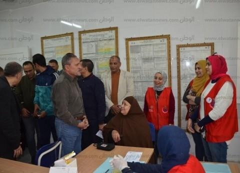 """محافظ الإسماعيلية يشيد بجهود الشباب المتطوعين بمبادرة """"100 مليون صحة"""""""