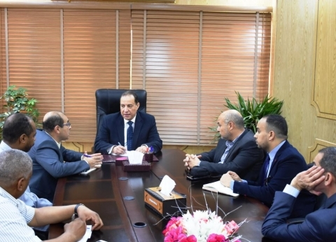 نائب محافظ أسوان يناقش مخطط تطوير منطقة معابد فيلة