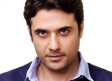 """أحمد عز يستعد لفيلمه """"الممر"""".. والمنتج: أحضرنا أدوات حربية من الخارج"""