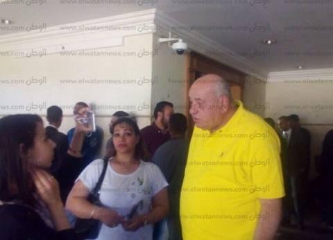 """والد ريهام سعيد يحضر جلسة محاكمة ابنته في """"اختطاف الأطفال"""""""