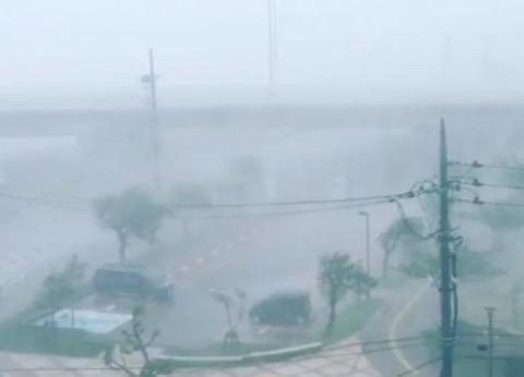 """الأرصاد الأمريكية تحذر من خطورة  الأعاصير في """"تكساس وأوكلاهوما"""""""