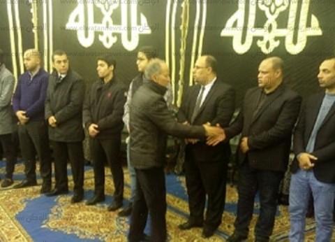 """""""مجاهد"""" و""""نبيل"""" و""""ناصف"""" يشاركون في عزاء الراحل خالد توحيد بـ""""عمر مكرم"""""""