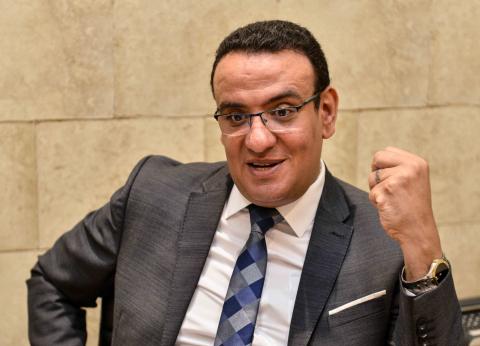 """""""متحدث النواب"""" يشيد بمصريين صوتوا بملابس الإحرام في السعودية"""