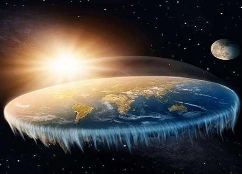 """أصحاب نظرية """"الأرض المسطحة"""": خسوف القمر يحدث بفعل جسم غامض"""