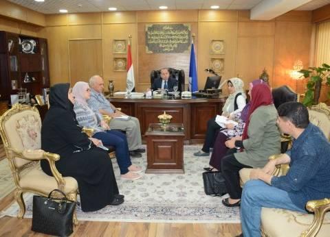 محافظ دمياط يناقش التخطيط العمراني لمدينة رأس البر