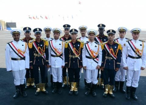 الأوائل: عشنا «الحياة العسكرية» أثناء الدراسة.. وجاهزون للدفاع عن «الأمن القومى»