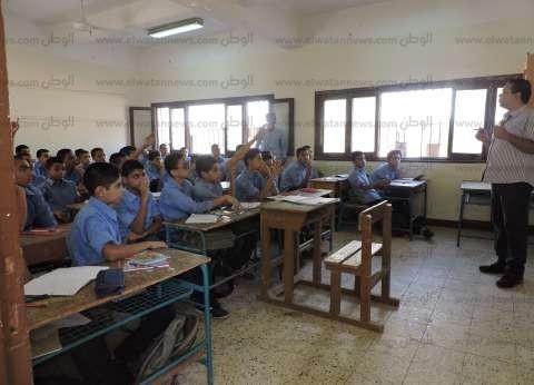 تأخير في صفوف المعلمين بمدارس الشيخ زويد.. وأحد المدرسين: الأتوبيسات غير كافية