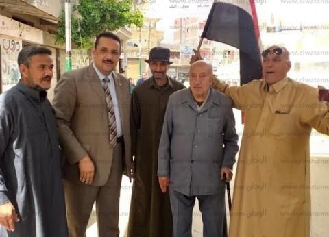 كبار عائلات المحلة يدلون بأصواتهم في الاستفتاء على التعديلات الدستورية