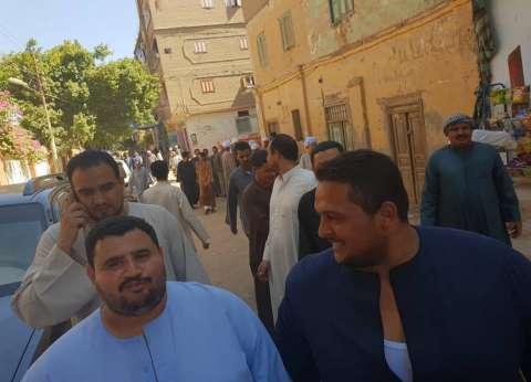 وقفة احتجاجية أمام مركز شرطة العسيرات اعتراضا على ترشح شخص للعمدية