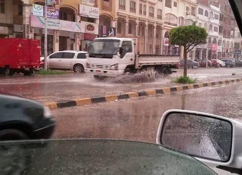 أمطار كثيفة على دمياط.. وإغلاق بوغاز عزبة البرج