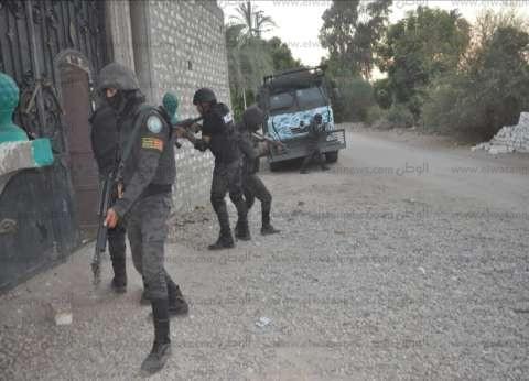 """بالصور  """"الأمن العام"""" يضبط 253 قطعة سلاح.. و411 عنصر خطر في قنا"""