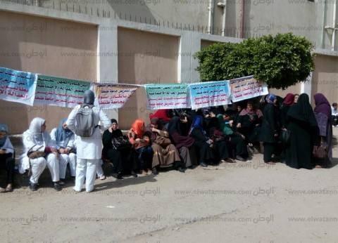 بالصور| تواصل إضراب موظفات المعهد الفني للتمريض بجامعة طنطا