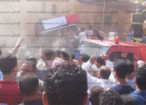 محافظ كفر الشيخ يتقدم الجنازة العسكرية لشهيد سيناء بمطوبس