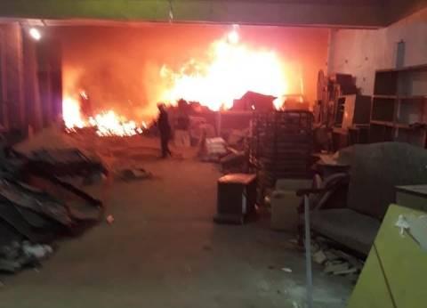 بالصور| الحماية المدنية تسيطر على حريق سينما ريفولي بوسط البلد