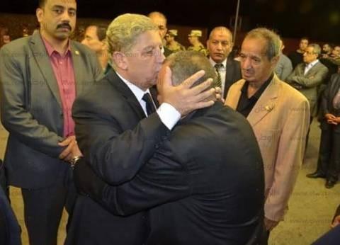 محافظ الإسماعيلية ومدير الأمن يعزيان أسرة الشهيد المقدم مصطفى الخياط