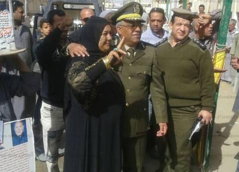 بالصور| مساعد مدير أمن كفر الشيخ يتفقد لجان البرلس الانتخابية