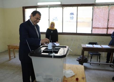 سعفان يدلي بصوته في الاستفتاء.. ويؤكد: لبنة جديدة نحو مستقبل مشرق