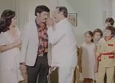 """""""صباحك بيضحك"""" مع سمير غانم ورشدي أباظة: """"هو لسه فيه جوه؟"""""""