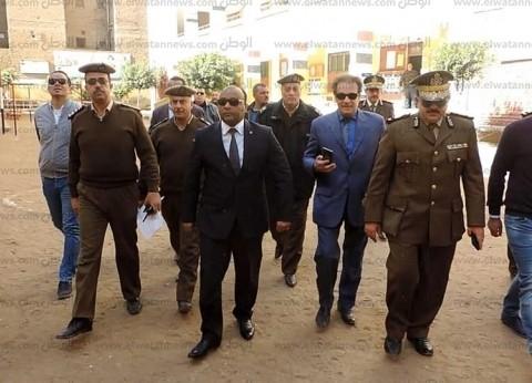 بالصور| مدير أمن الغربية يتفقد اللجان الانتخابية في زفتى