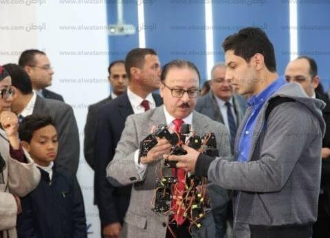 وزير الاتصالات يفتتح أول معمل تكنولوجي متخصص في صناعة الإلكترونيات