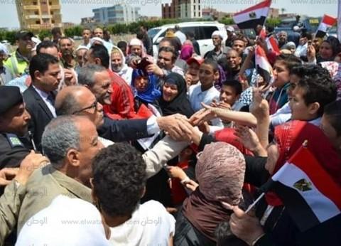 أهالي الإسماعيلية  للمحافظ من لجان الدستور: بلغ السيسي بطوابير الحضور
