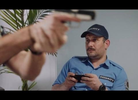 """في طريقه للماجستير.. بطل إعلان البنك الأهلي: """"مثلي الأعلى أحمد زكي"""""""